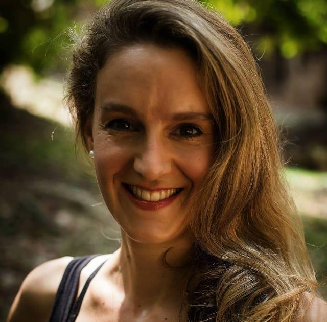 Heidi Burch, Yogalehrerin
