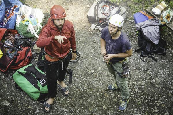 Grundausbildung Sportklettern draussen im Klettergarten