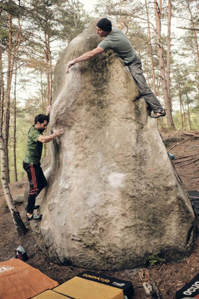 Dieses Bild verkörpert die Vision von Kletterwelt. Gegenseitiger Respekt, Achtung vor der Natur und Achtsamkeit für den Moment.