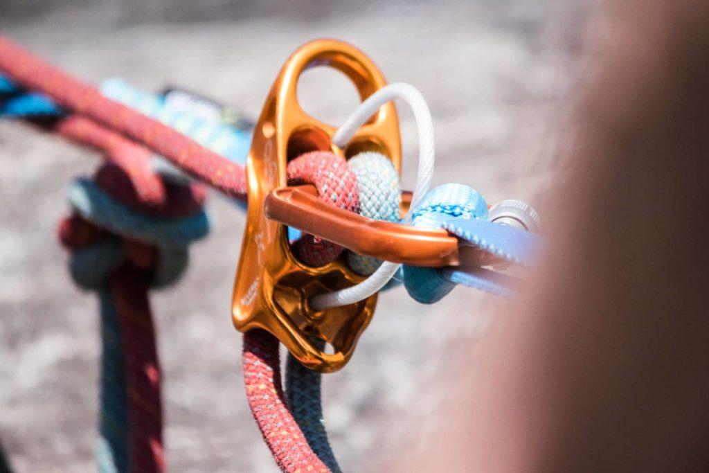 Kletterausbildung mit Kletterwelt - Standbau anlässlich der Grundausbildung Mehrseillängenklettern